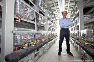 Andrea Rossi il 28 Ottobre all'interno della sua prima centrale da 1 MW